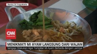 VIDEO: Menikmati Mi Ayam Langsung dari Wajan