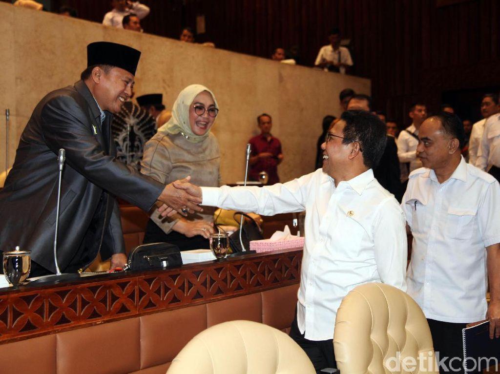 Abdul Halim Iskandar hadir dengan didampingi Wamendes PDTT Budi Arie Setiadi dan jajaran eselon I Kemendes PDTT.