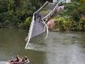 FOTO: Insiden Jembatan Ambruk di Prancis Tewaskan 2 Orang