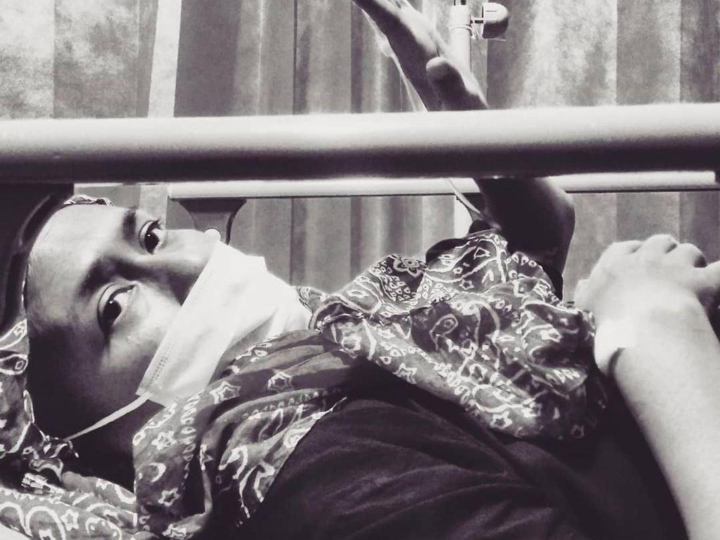 Suami Semangati Ria Irawan: Love You, Perjalanan Ini Masih Panjang