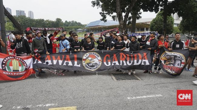 KBRI Benarkan Suporter Indonesia Ditusuk di Malaysia