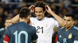 Messi dan Cavani Nyaris Baku Hantam