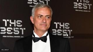 Usai Resmi Latih Tottenham, Mourinho Sibuk Ditelepon Bos MU