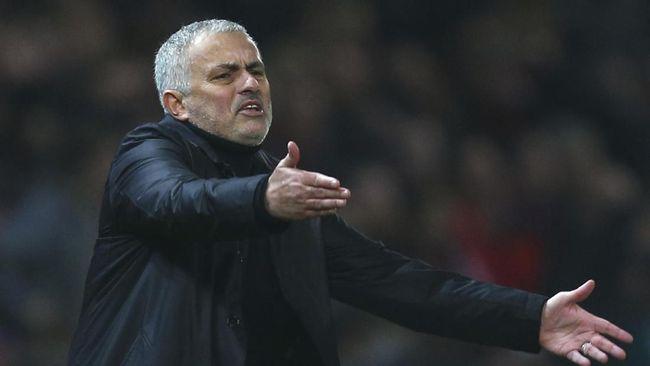 Derbi London Tantangan Mourinho di Laga Debut