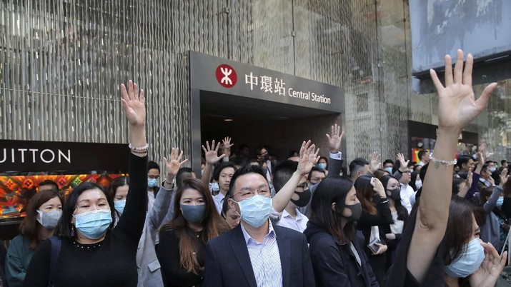 Demo Masih Berlanjut di Hong Kong yang Carut Marut