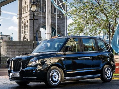 Taksi Retro London Diproduksi di Thailand