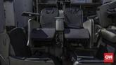 Bagian dari kursi penumpang pesawat yang disebut akan menjadi bagian sebuah restoran di luar negeri.(CNN Indonesia/Bisma Septalisma)