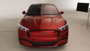 FOTO: Ford Mustang Mach-E, SUV Bertenaga Listrik