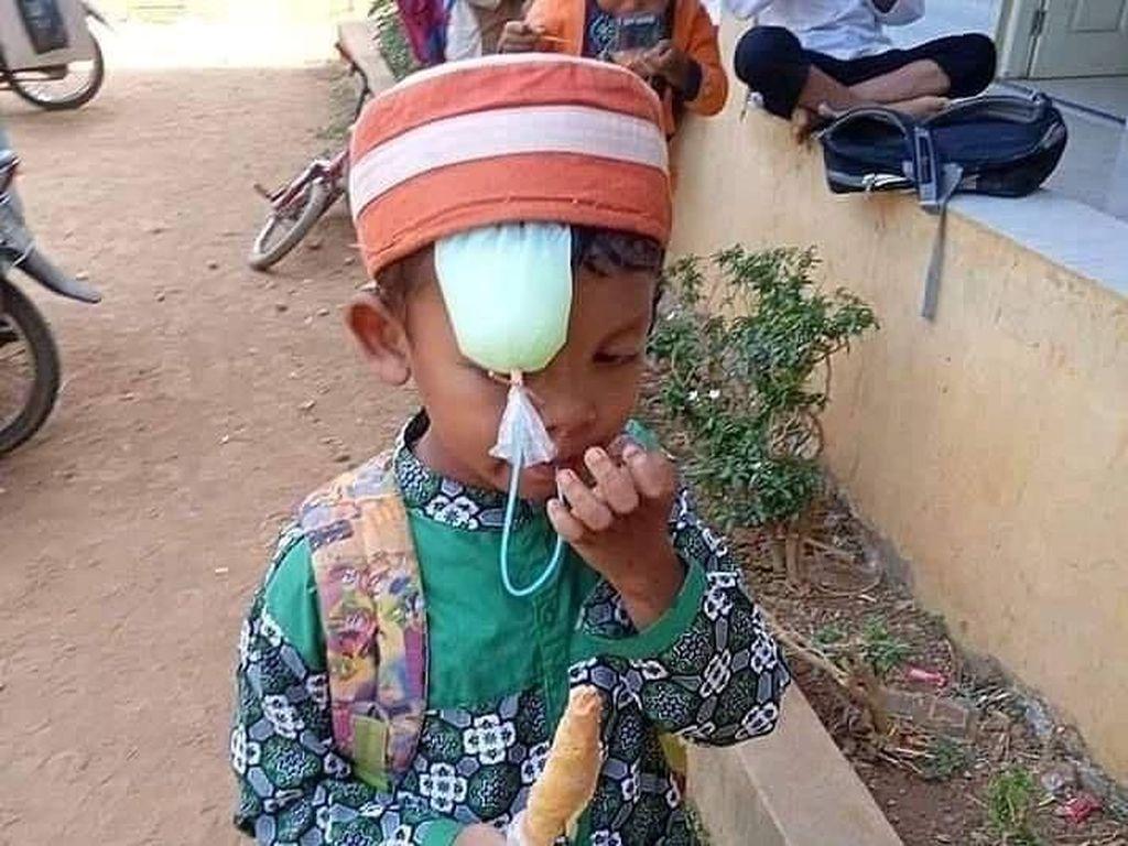 Ngakak! Gaya Kocak Warga Indonesia Saat Menikmati Minuman