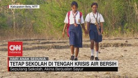 VIDEO: Anak-Anak Tetap Sekolah di Tengah Krisis Air Bersih