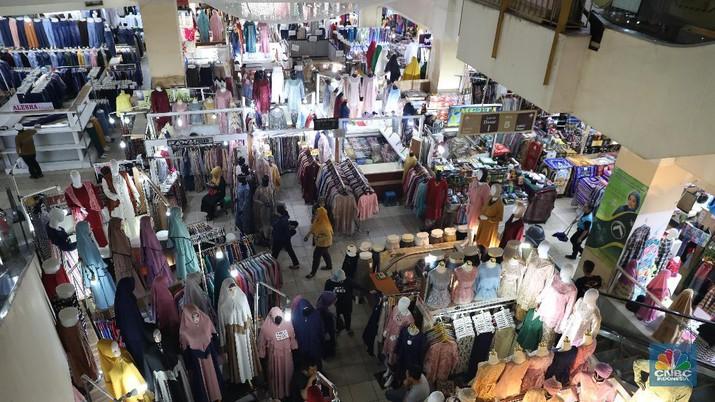 Anggapan orang Indonesia sebagai orang yang doyan belanja memang tak salah, hal ini dibuktikan dalam riset DBS Group