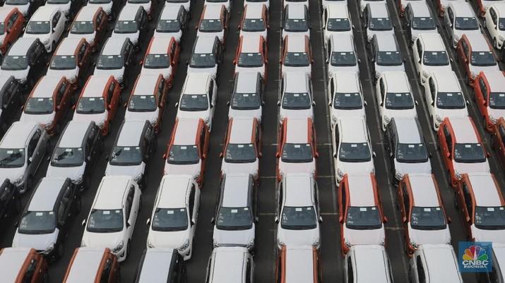 Gelombang pemutusan hubungan kerja (PHK) kini menyerang industri otomotif.
