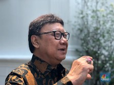 Menteri Tjahjo Curhat Sulitnya Pecat PNS Malas
