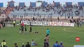 VIDEO: Persela VS Perseru Badak Lampung Ricuh