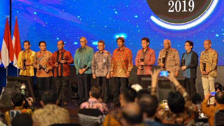 PT BUMI Resources Tbk (BUMI) meraih penghargaan dari Indonesian Mining Association (IMA) Awards 2019 untuk Pembayar PNBP Terbesar tahun 2018.