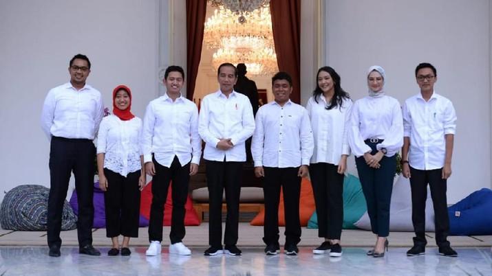 Stafsus Milenial sudah resmi menerima SK, menjabarkan apa saja tugas mereka untuk dampingi Jokowi.