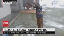 VIDEO: Hujan Es Landa Puncak Papua