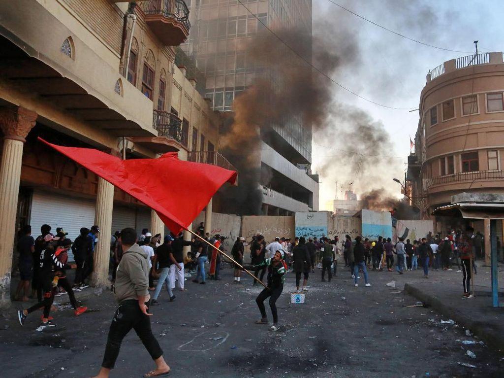 8 Orang Tewas dan Puluhan Terluka Akibat Kericuhan di Irak
