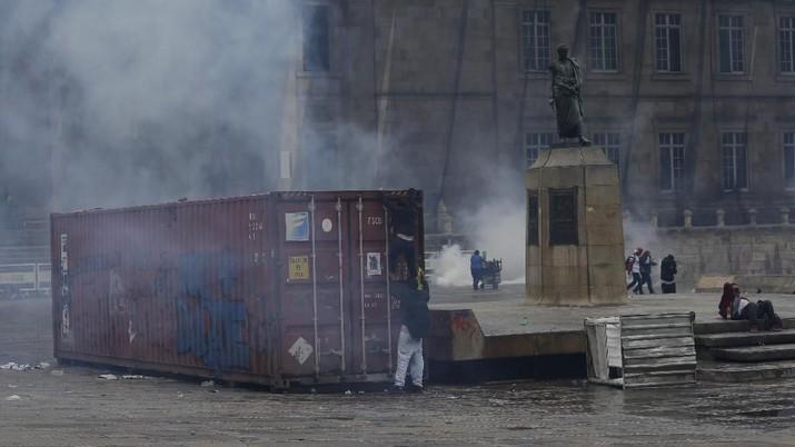 Kolumbia Memanas, Massa Turun ke Jalan Tuntut Presiden Mundur