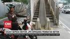 VIDEO: Cegah Sepeda Motor, JPO Dipasang Pembatas Beton