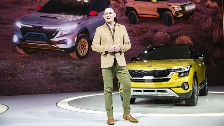Pameran kendaran SUV baru dan kendaraan listrik di L.A. Auto Show berlangsung di Amerika Serikat.