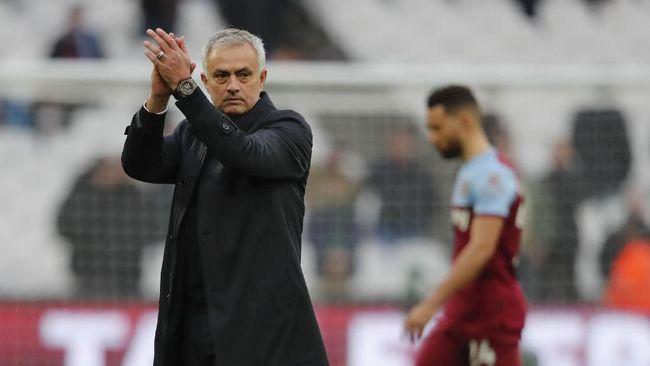 Madrid Tawari Mourinho Rp218 Miliar untuk Tolak Tottenham
