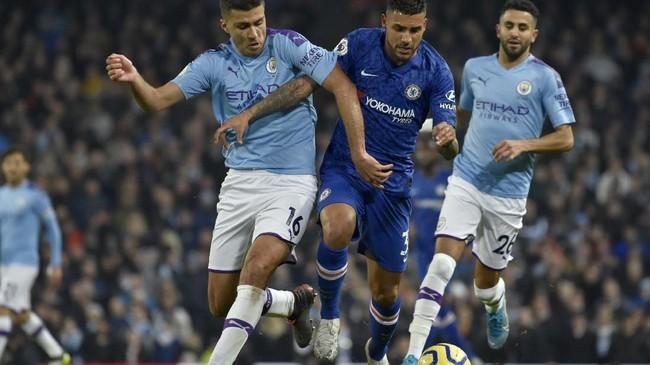 Pertandingan antara Manchester City dan Chelsea di Stadion Etihad, Sabtu (23/11) waktu setempat, penting bagi persaingan di papan atas Liga Inggris. (AP Photo/Rui Vieira)