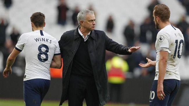 Baru Dua Bulan di Tottenham, Mourinho Mulai Dibenci Pemain