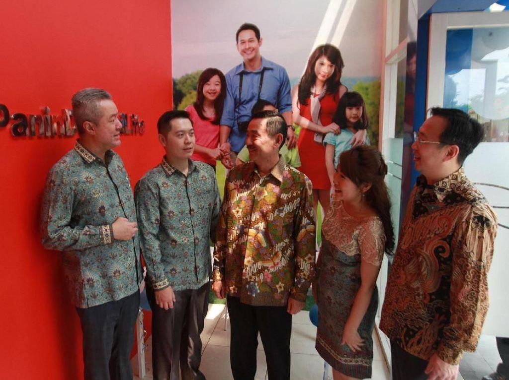 Guna melayani dan menjangkau kebutuhan masyarakat di Indonesia, PT Panin Dai-ichi Life secara berkesinambungan memperkuat jaringan pemasaran di berbagai wilayah di Indonesia. Foto: dok. Panin Dai Ichi Life
