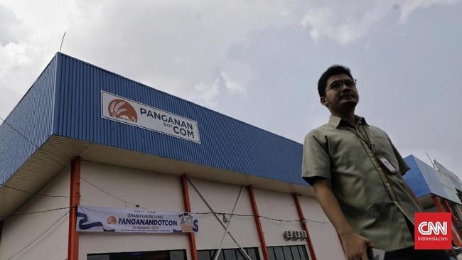 Bulog meluncurkan Supermall Pangan untuk memudahkan masyarakat mengakses bahan pangan, Selasa (26/11).
