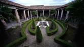 Proyek Grand Pompeii, yang sebagian didanai oleh Uni Eropa, berakhir pada akhir tahun ini. Tetapi pemerintah Italia telah mengalokasikan 32 juta euro untuk penggalian lanjutan. (AFP/Filippo Monteforte)