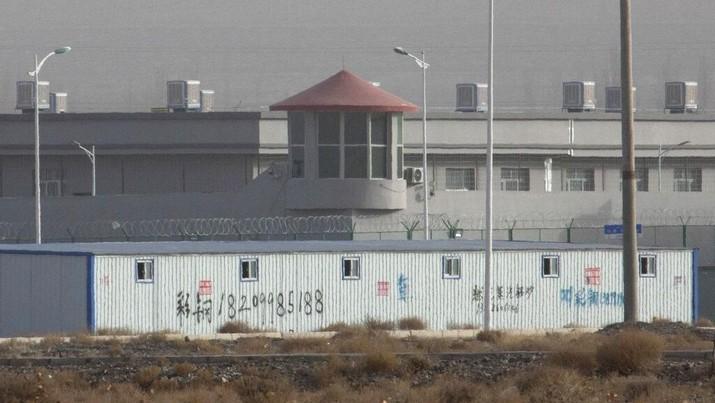 Mengintip Kamp 'Penahanan' Minoritas Muslim Uighur di China