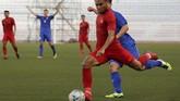 Saddil Ramdani jadi ancaman utama pertahanan Thailand di babak kedua. (AP Photo/Aaron Favila)