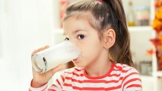 Studi: Susu Full Cream Diklaim Cegah Obesitas Anak