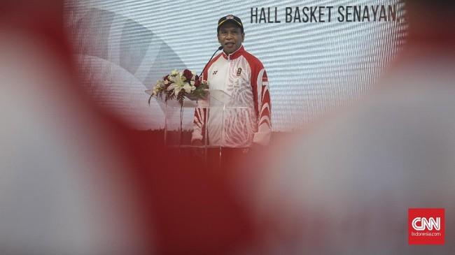 Menpora, Zainudin Amali saat memimpin upacara pengukuhan kontingen atlet Indonesia untuk SEA Games 2019. (CNN Indonesia/Bisma Septalisma)