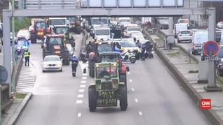 VIDEO: Petani Bawa Seribu Traktor Gelar Demo di Paris
