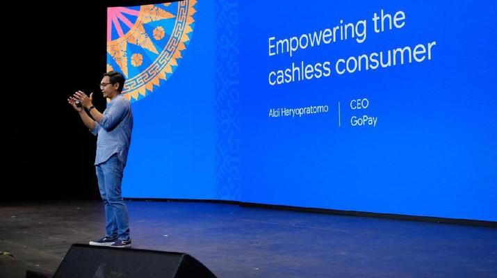 CEO GoPay Aldi Haryopratomo menyatakan bahwa GoPay bukan cuma sekedar metode pembayaran, tapi cara untuk menggapai mimpi pedagang kecil.
