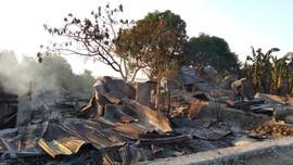 Bentrok Warga di Buton, Satu Meninggal Puluhan Rumah Dibakar
