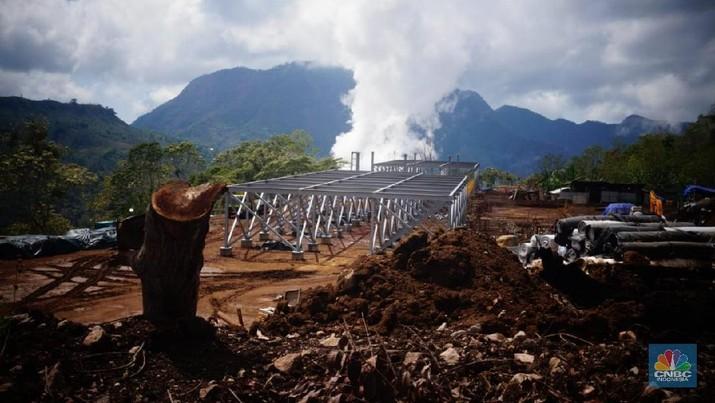 Pembangkit Listrik Panas Bumi (PLTP) Sokoria sebanyak 5 MW/Gustidha Budiartie