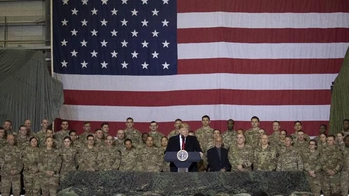 Presiden AS Donald Trump merayakan Thanksgiving dengan mengunjungi pasukan AS di Afghanistan Kamis (28/11/2019) waktu setempat.