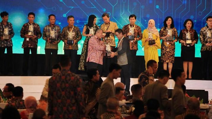 Bank BRI Dinobatkan Sebagai Bank UMKM Terbaik dan Bank Pendukung Pendalaman Pasar Uang Terbaik Pada Pertemuan Tahunan Bank Indonesia