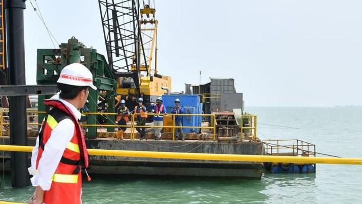Presiden Ingin Pelabuhan Patimban Jadi Hub Besar untuk Ekspor Otomotif. /Laily Rachev - Biro Pers Sekretariat Presiden