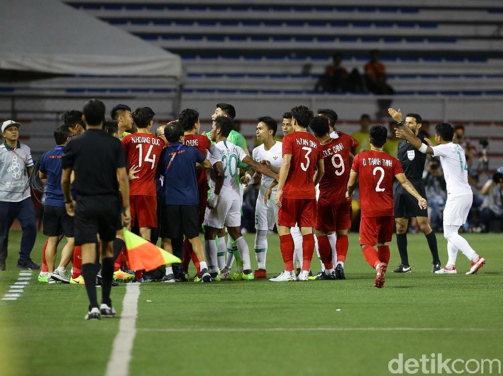 Sempat terjadi ketegangan antara pemain Indonesia dengan Vietnam.