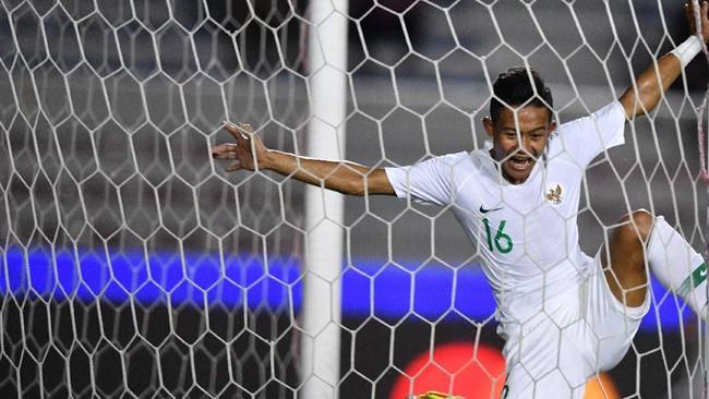 Sani Rizki berhasil mencetak gol dan membawa Indonesia unggul 1-0 di menit ke-23. (ANTARA FOTO/Sigid Kurniawan)