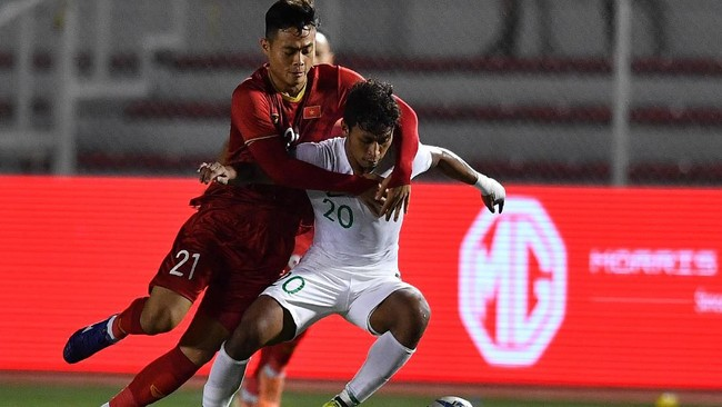 Indonesia juga berusaha keras untuk mencari gol kedua lewat skema serangan balik tetapi hal itu sulit dilakukan. (ANTARA FOTO/Sigid Kurniawan)