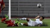Unggul 1-0, Indonesia berusaha keras mempertahankan skor dengan melakukan pertahanan ketat. (ANTARA FOTO/Sigid Kurniawan)