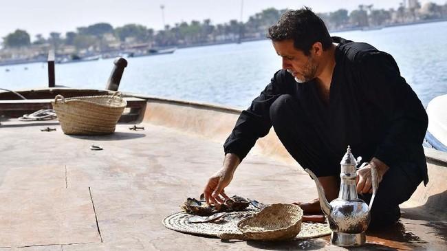Bulan lalu, otoritas Abu Dhabi mengumumkan bahwa mutiara alami tertua di dunia ditemukan di Pulau Marawah. Mutiara kuno itu akan ditampilkan untuk pertama kalinya di Louvre Abu Dhabi. (GIUSEPPE CACACE / AFP)