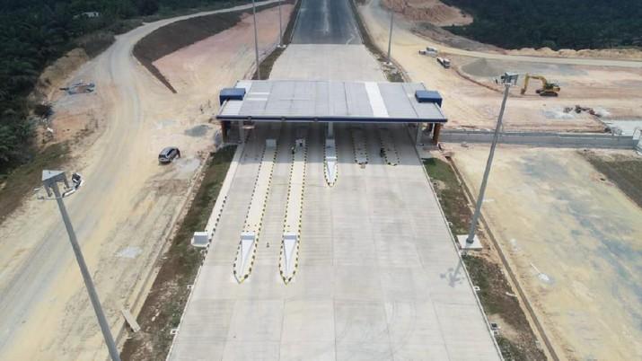 PT Hutama Karya (Persero) menargetkan pembangunan ruas tol Pekanbaru-Dumai (PekDum) rampung pada Maret 2020.