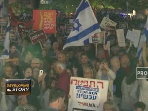 Warga Israel Tuntut Mundur Perdana Menterinya