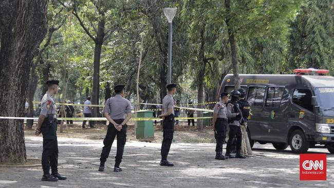 Kapolda menegaskan tak ada kaitan ledakan granat asap ini dengan aksi terorisme sehingga pengamanan tidak ditambah. (CNN Indonesia/ Adhi Wicaksono)